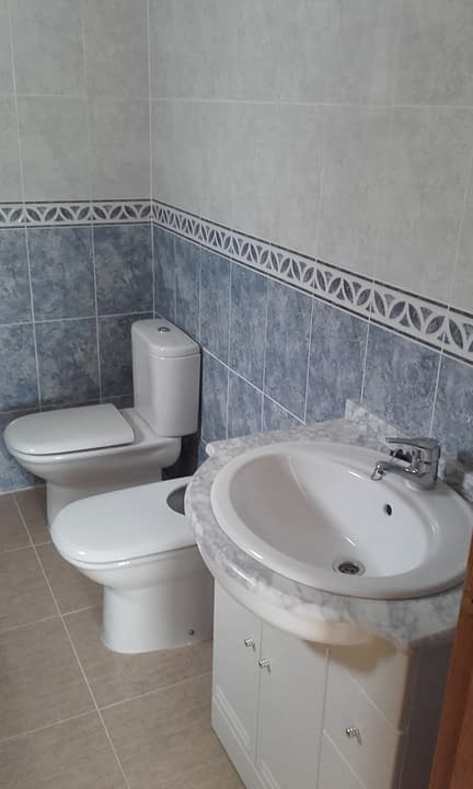 2-bathroom-3
