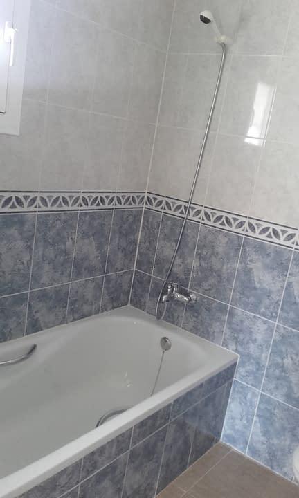 2-batroom-2