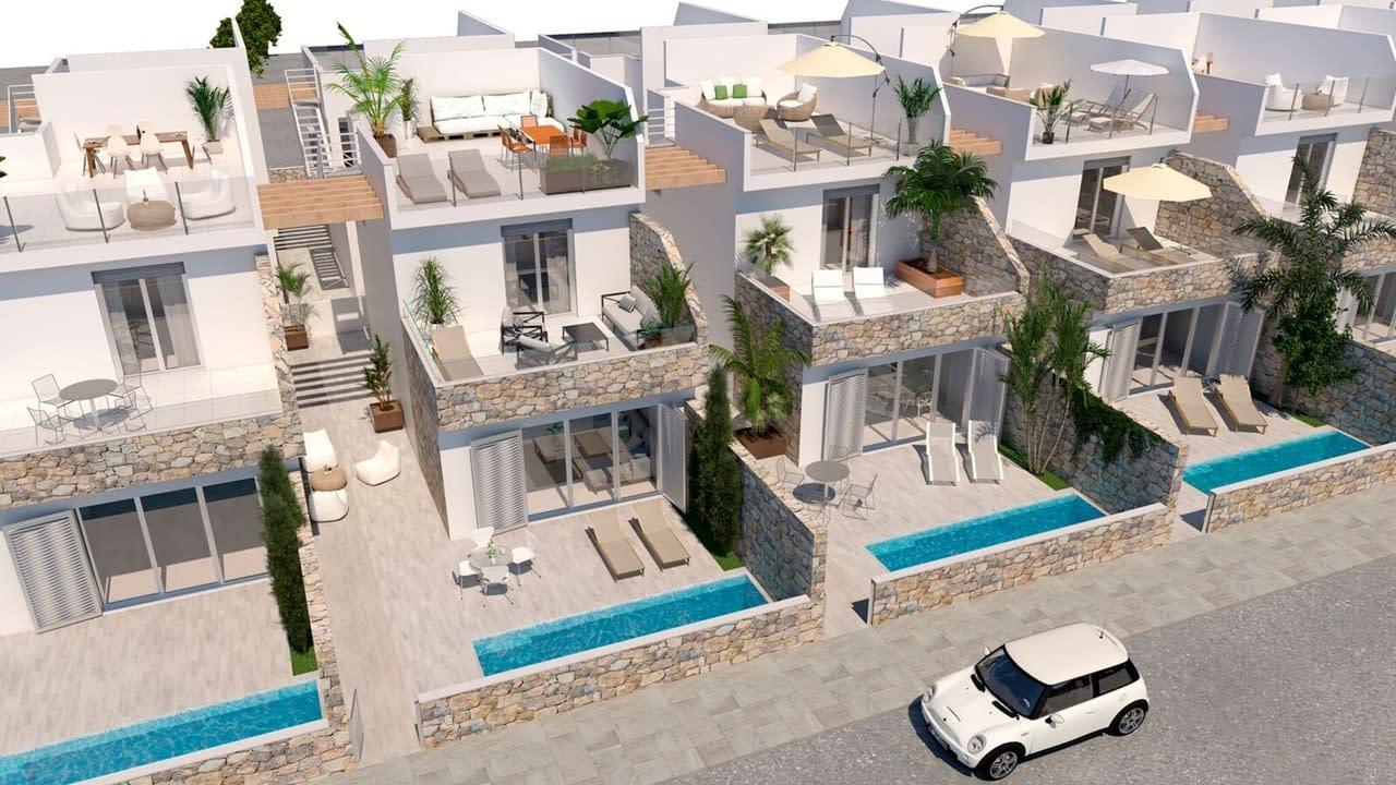 Freistehende Villa auf 440 Meter vom Meer entfernt