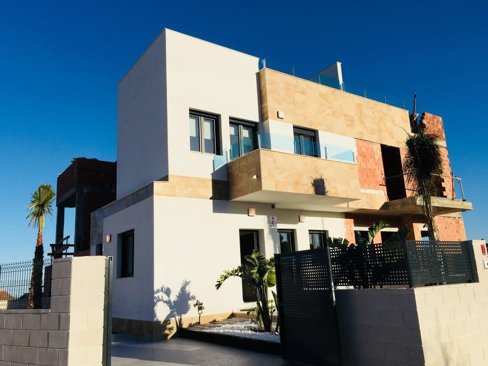 Moderne Doppelhaushälften und Wohnungen in Polop