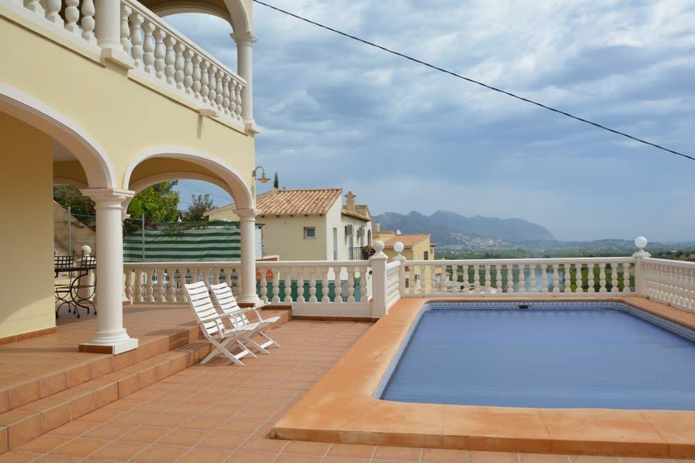 Schöne Villa mit Meerblick in Orba
