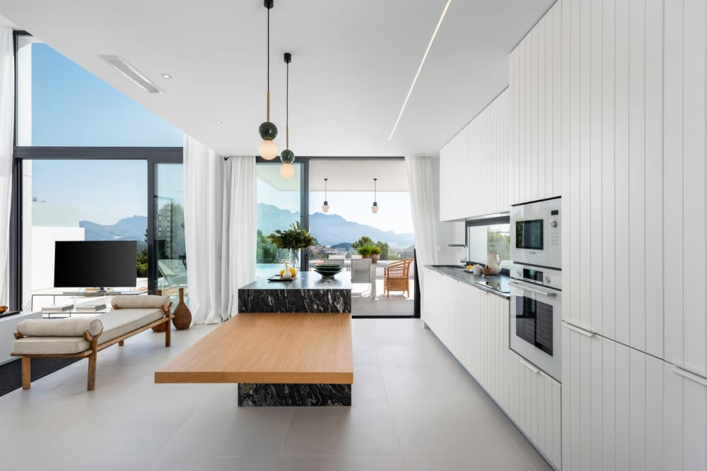 24-Venecia-III-Kitchen-view-4