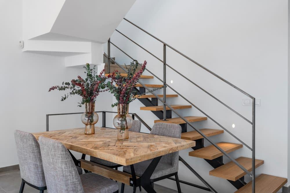 27-Paris-V-living-room-7
