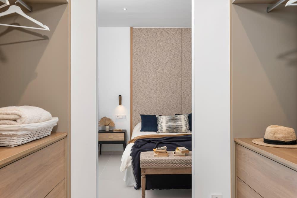 33-Venecia-III-First-Bedroom-suite-Dressing-1