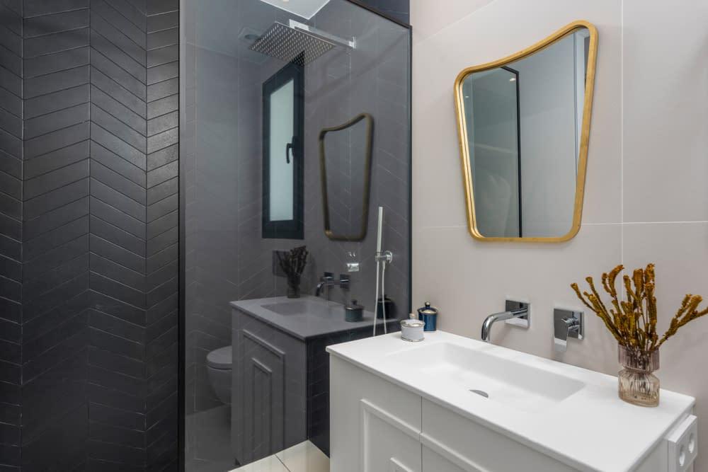 36-Venecia-III-First-Bedroom-suite-Bathroom