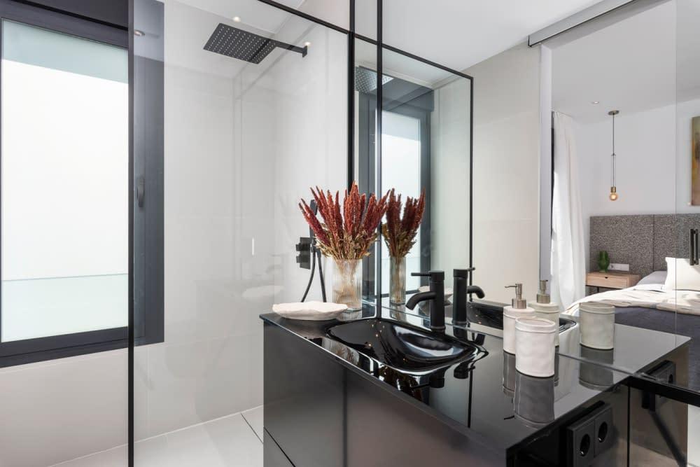 41-Venecia-III-2nd-Bedroom-suite-Bathroom