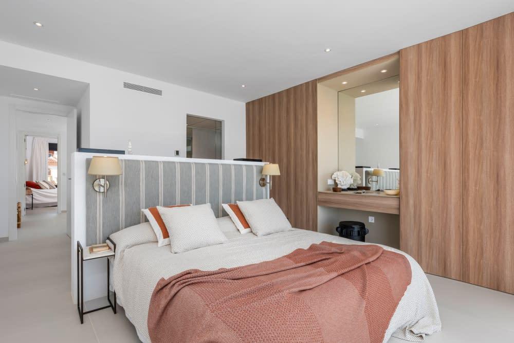 44-Venecia-III-3rd-Bedroom-suite-1