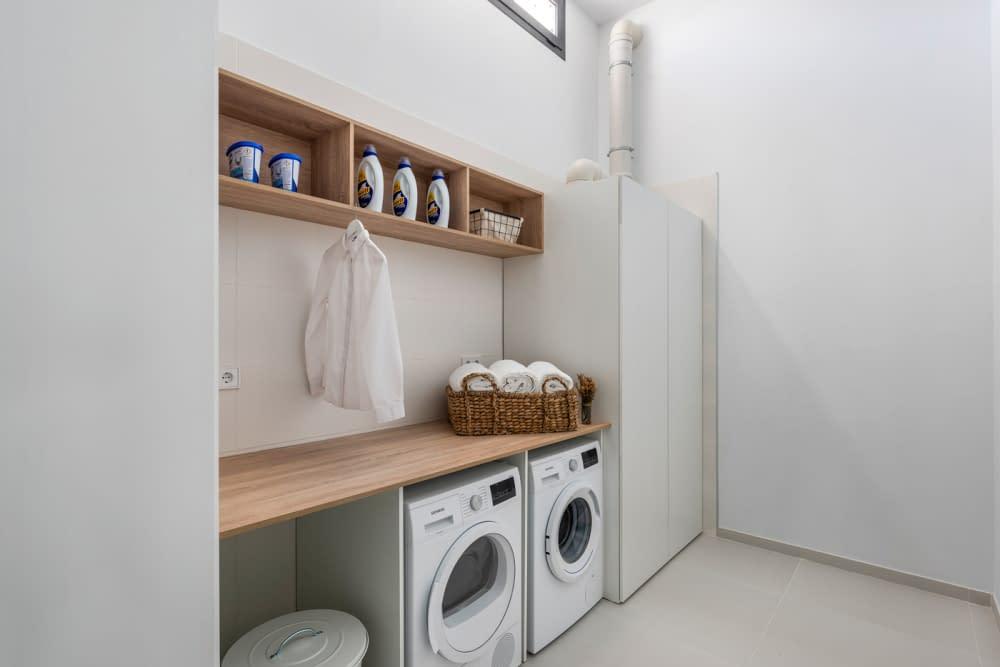 51-Venecia-III-Laundry-room