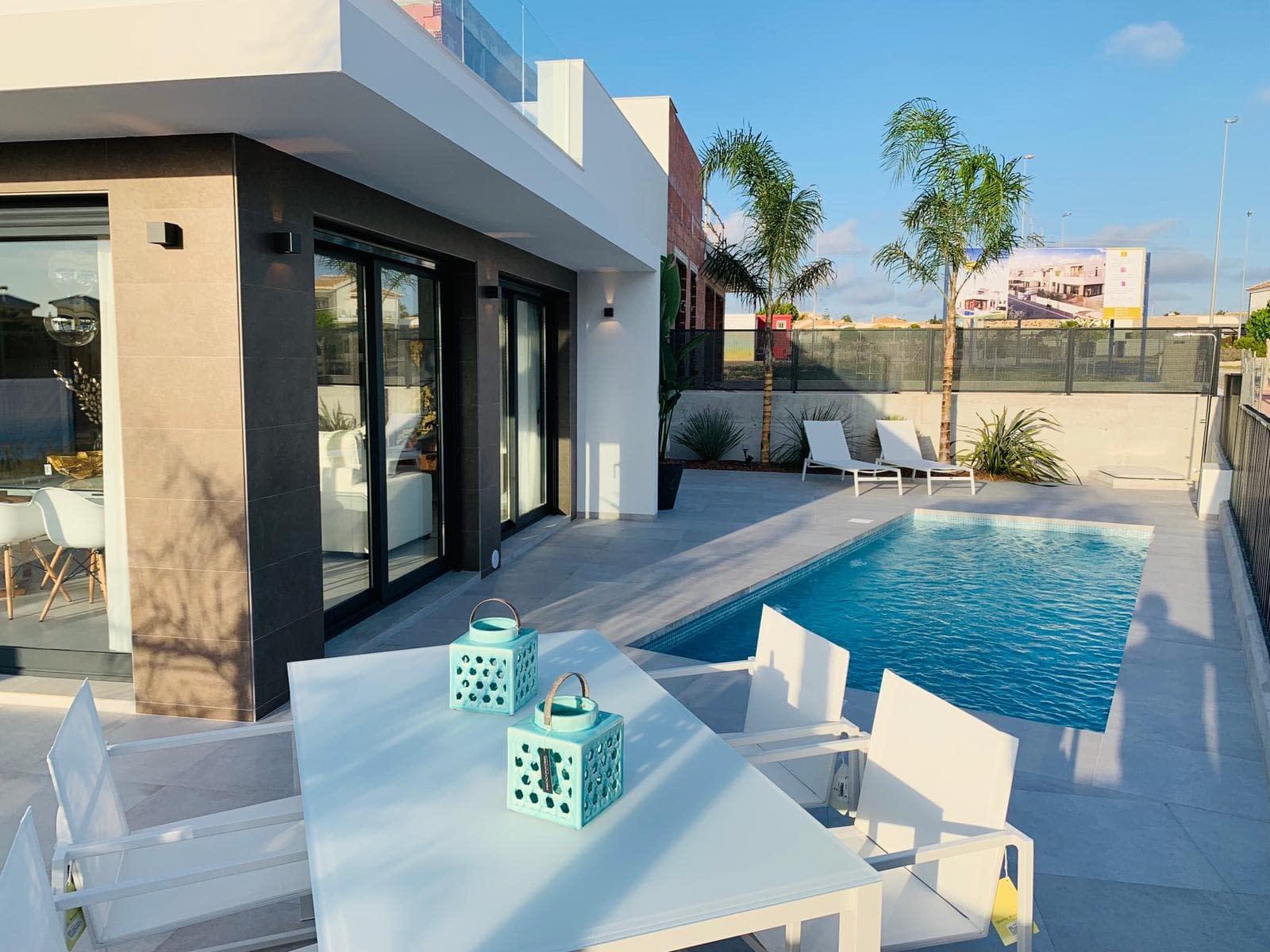 Luxuriöse Doppelhaushälfte in La Marina